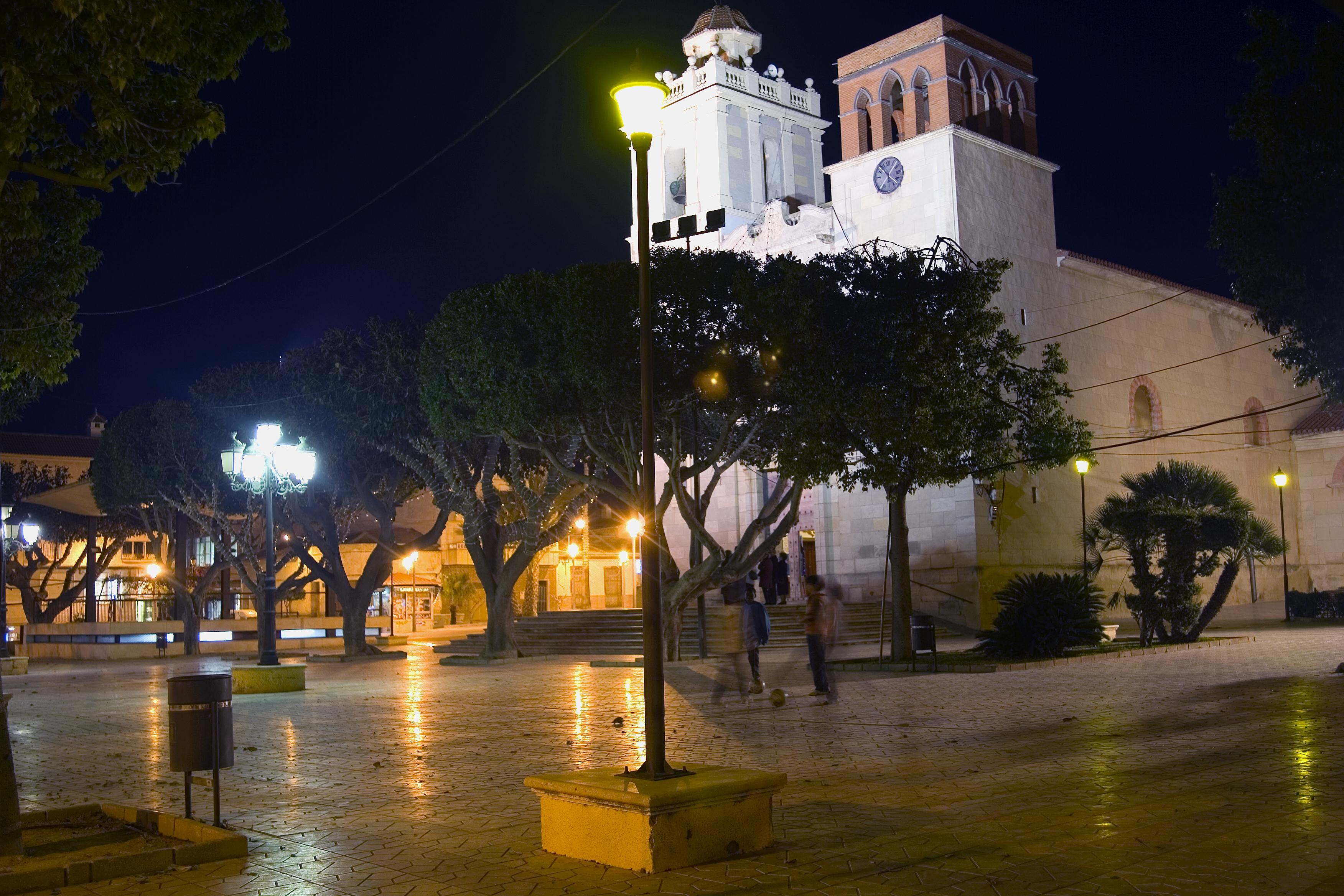 Plaza_Iglesia_Nocturno