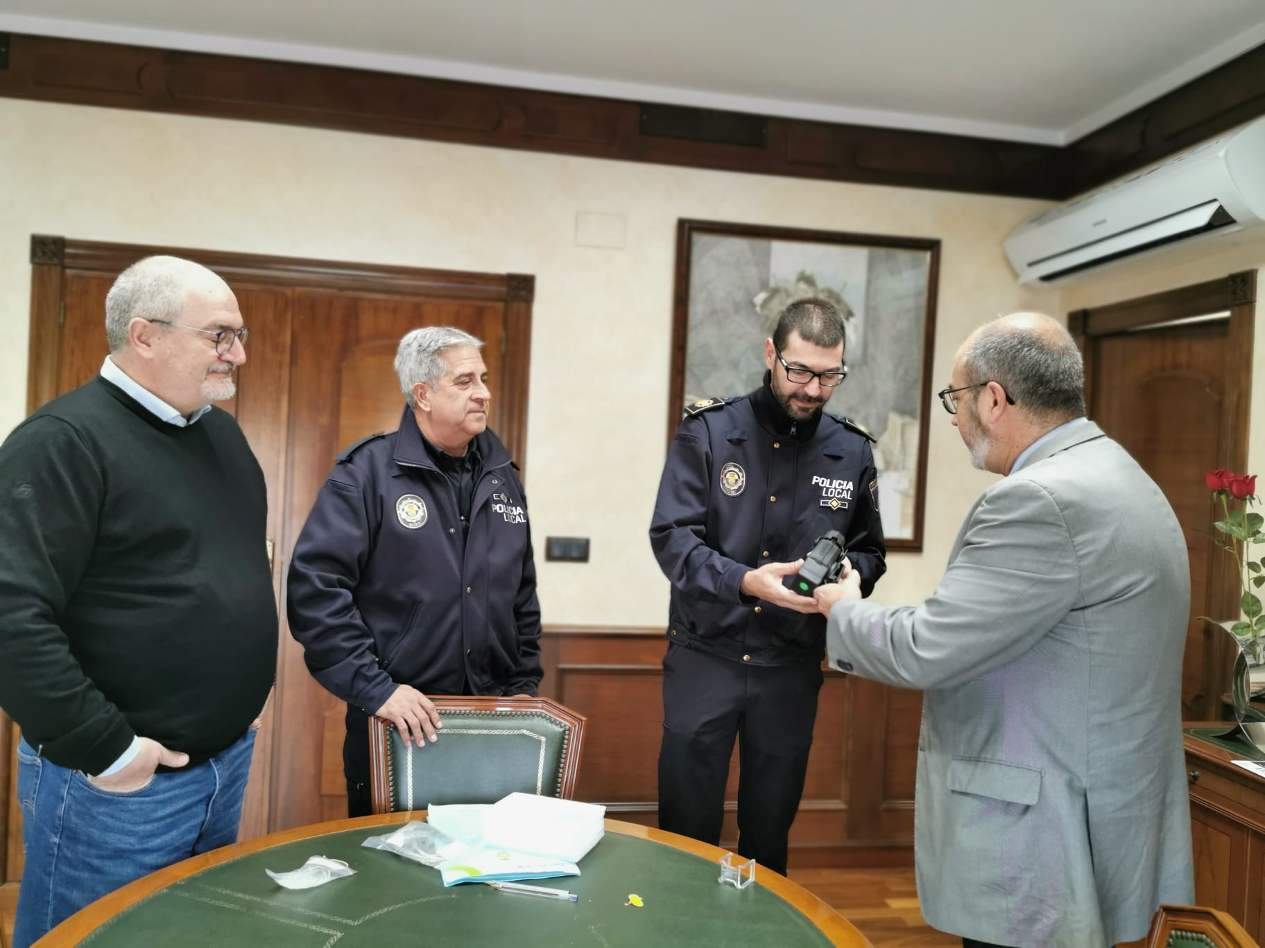 Foto 1. Taser Policía Local Benejúzar (1)